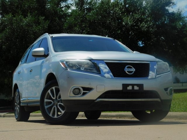 Pre-Owned 2013 Nissan Pathfinder SL Front Wheel Drive SUV